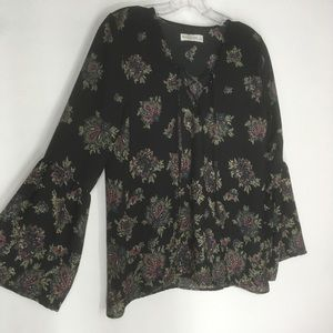 Abercrombie & Fitch floral bell sleeve blouse s